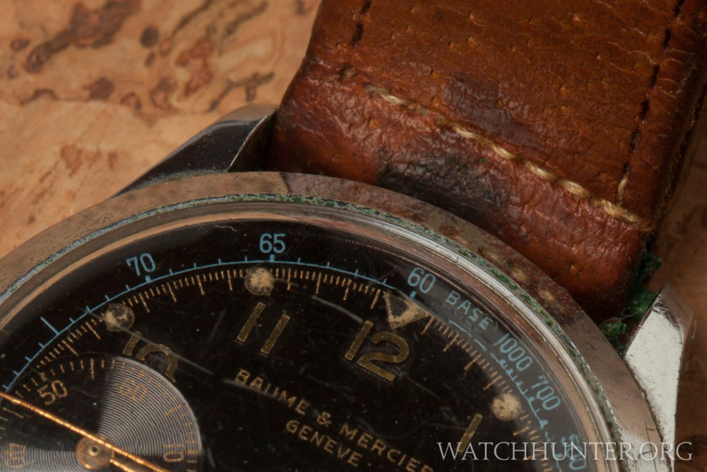 The dial was printed with gold and light blue ink