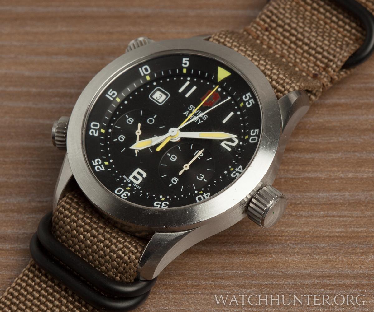 A quartz 60-minute center register chronograph works like an Lemania 5100 powered watch