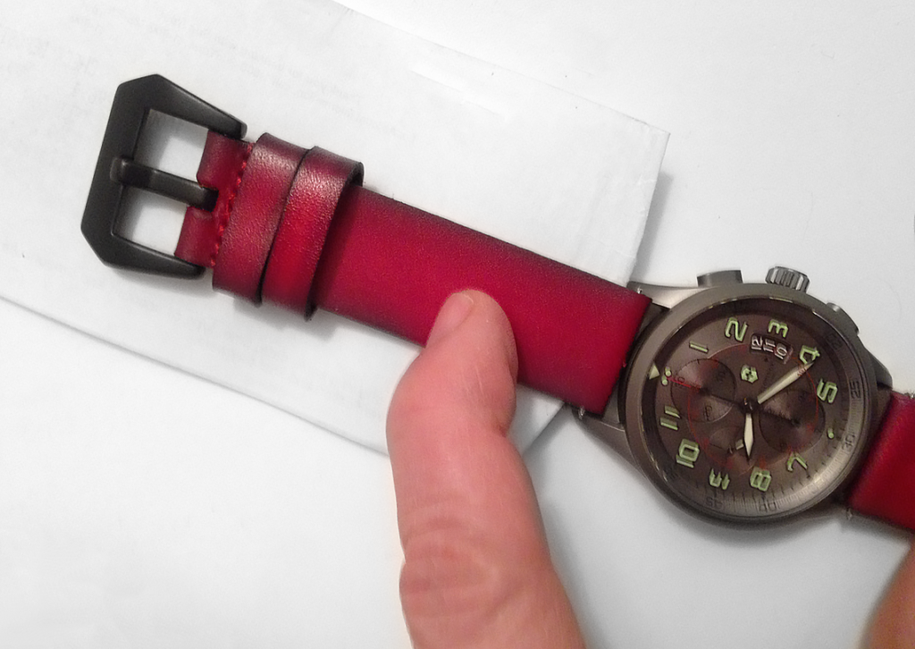 The vintage red leather watch band from Strapsco did not work for this watch