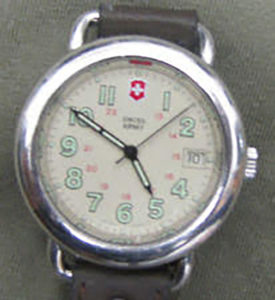 The mystery Swiss Army watch looked similar to this Swiss Army Cavalry watch from the early days of Swiss Army