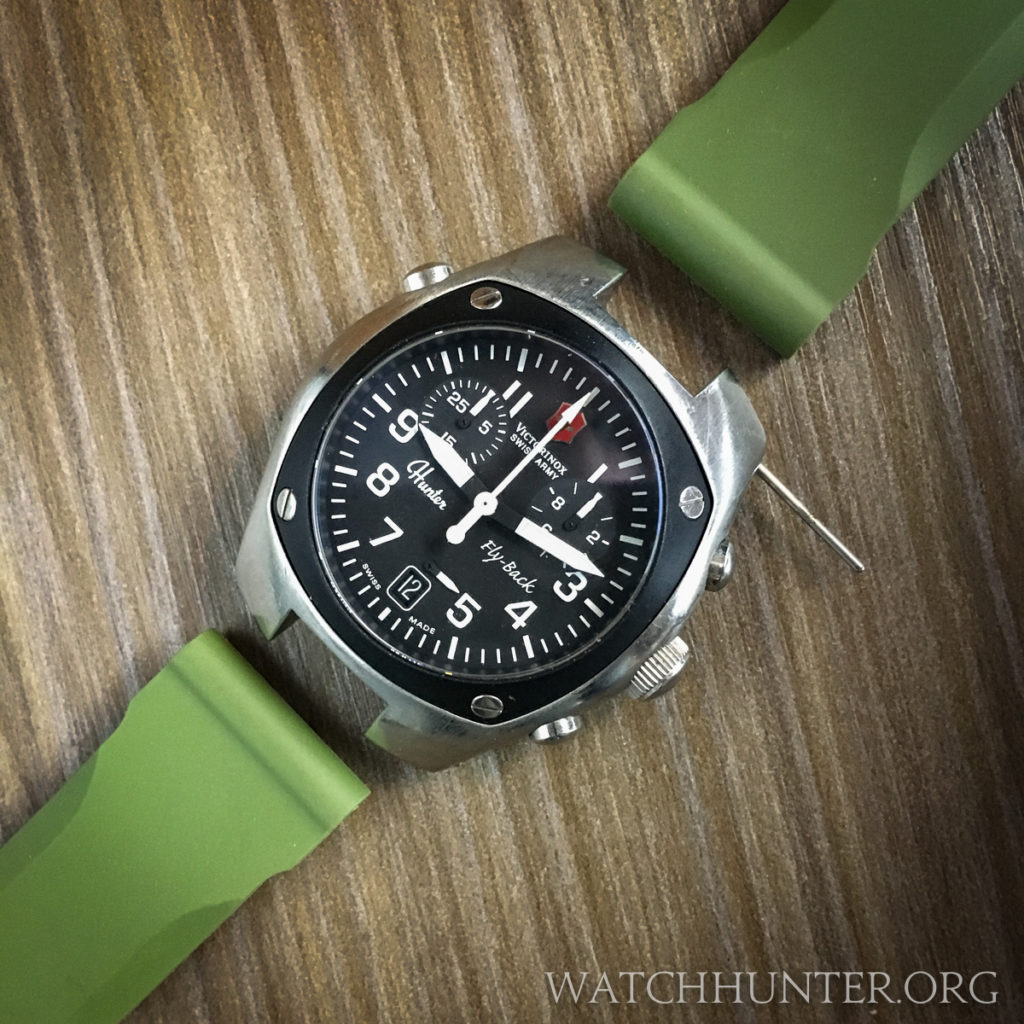 The Victorinox Swiss Army Hunter Mach 2 and olive green Tsovet straps used in this experiment.