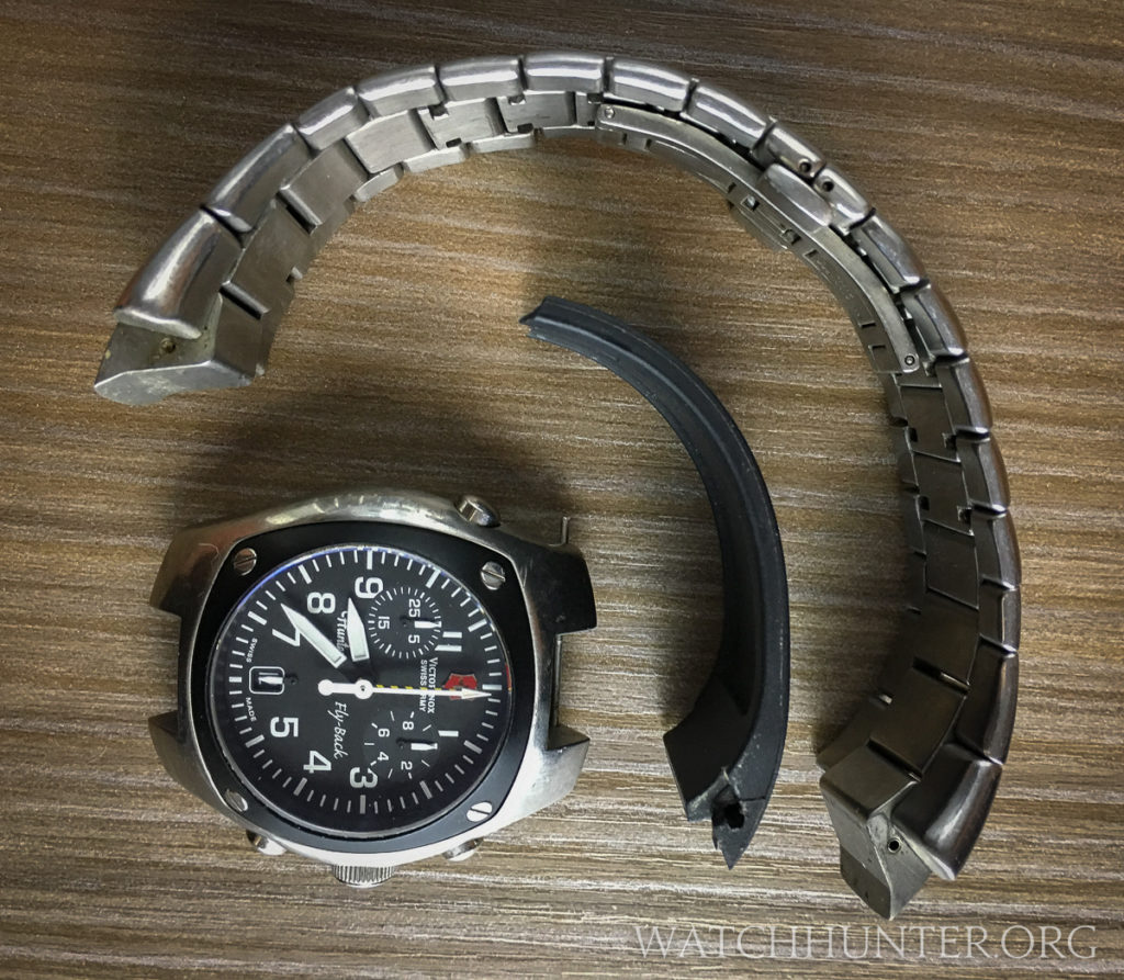 The lug-end profiles were similar so I thought this watch band might work.