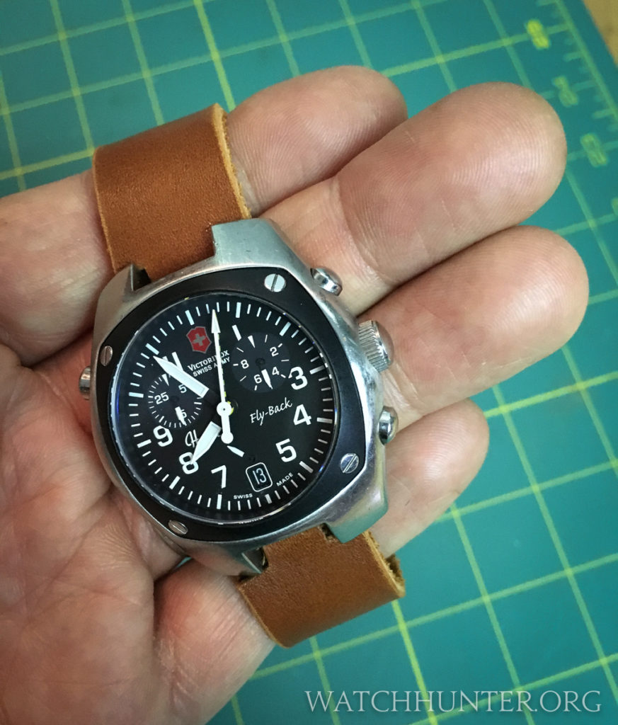 I wonder if Swiss Army would consider re-releasing this family of Hunter watches with strap options?