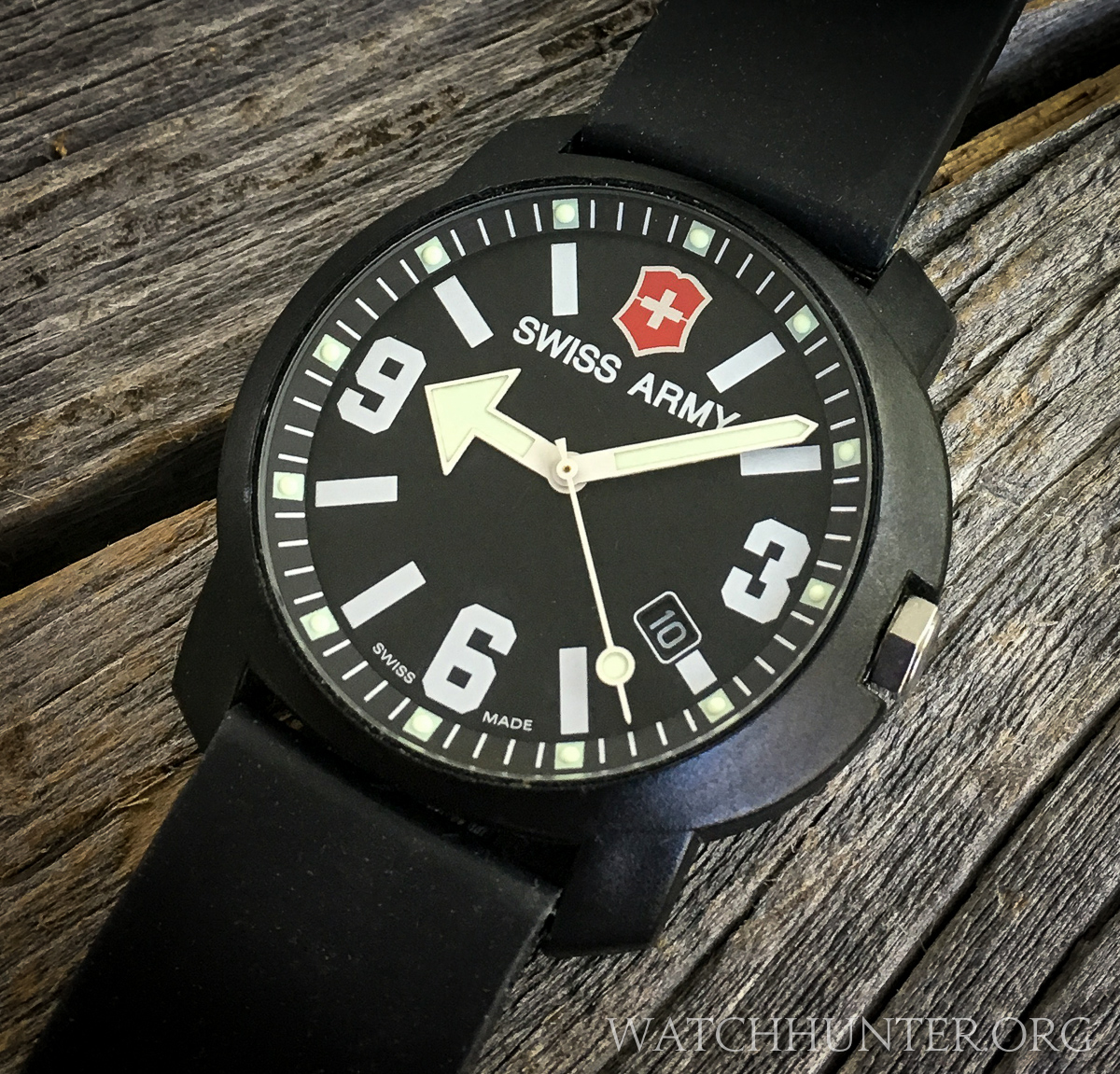 MEET THE WATCH: Victorinox Swiss Army Recon Watch with the ...
