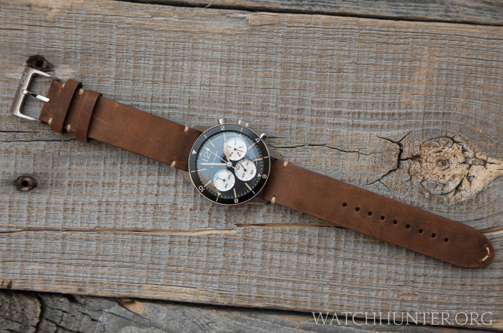 From a distance, the Dan Henry 1963 Chronograph could be mistaken for a Heuer Autavia.