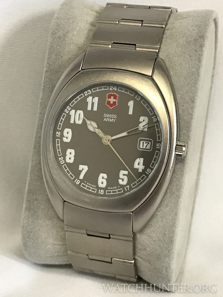 Titanium Whisper watch with matching bracelet. Photo: Kraig Radesi