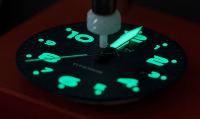 Lum-Tec's MDV lume technology is applied to hands and dials. Photo: www.lum-tec.com
