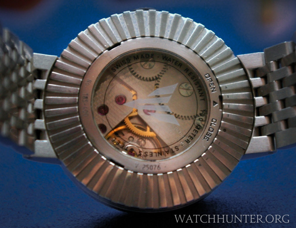 The Unitas 6498 movement can be seen through the display window. Photo: cytochrom