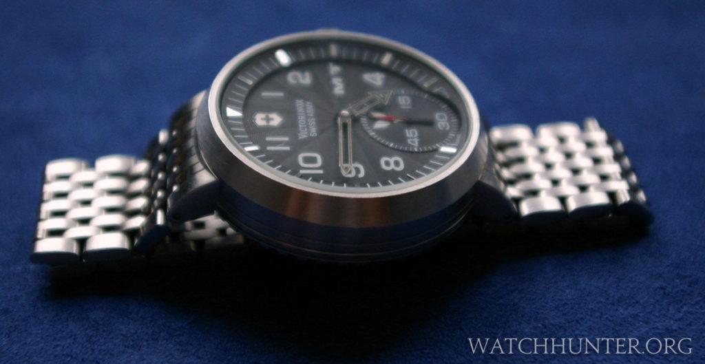 Yamaha MT-01 watch with a sloping chapter ring and tapering case. Photo: cytochrom