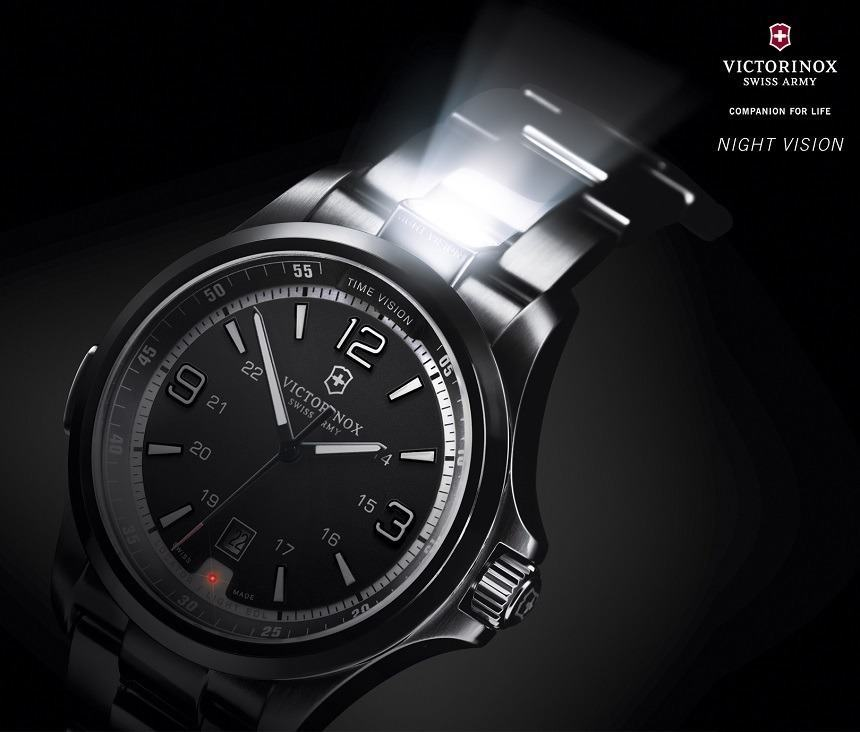 The flash light and strobe light are seen here. Photo: Victorinox Swiss Army