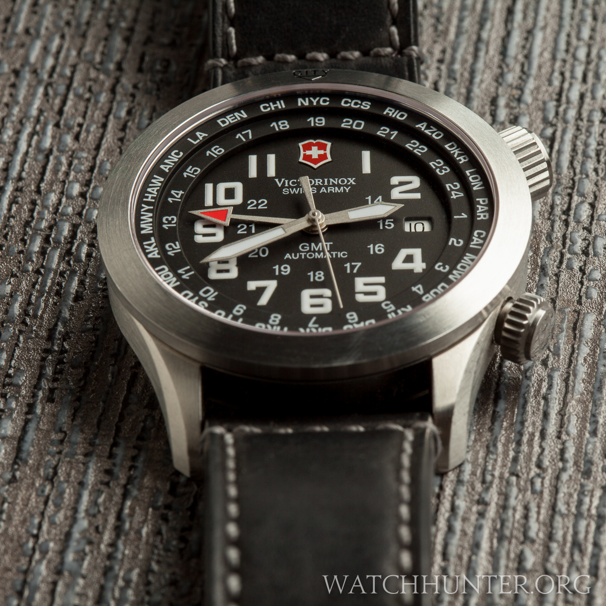 MEET THE WATCH: Victorinox Swiss Army Airboss Mach 5 GMT