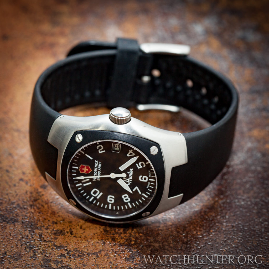 The white date window replaces 3 o'clock of the Victorinox Swiss Army Hunter Mach 1. Clever.