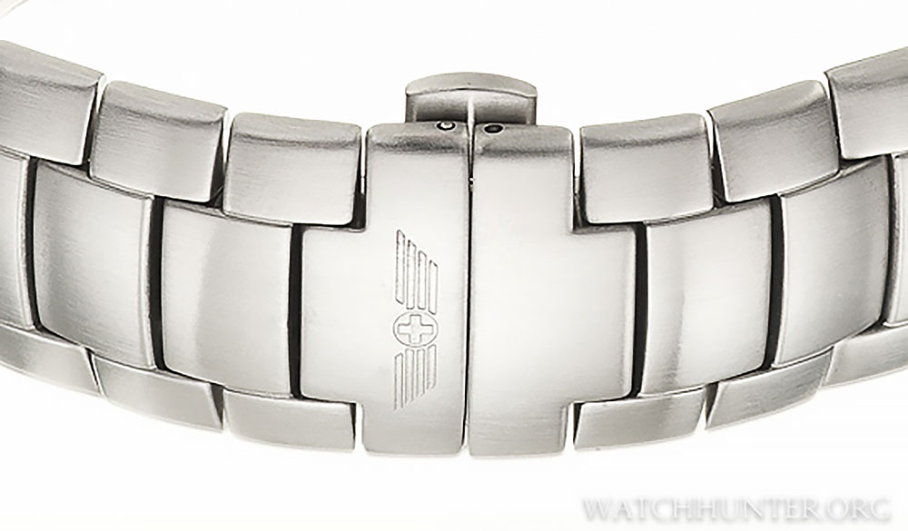 The slim deployant clasp of the Swiss Army Hunter watches isn't bulky and is comfortable to wear.